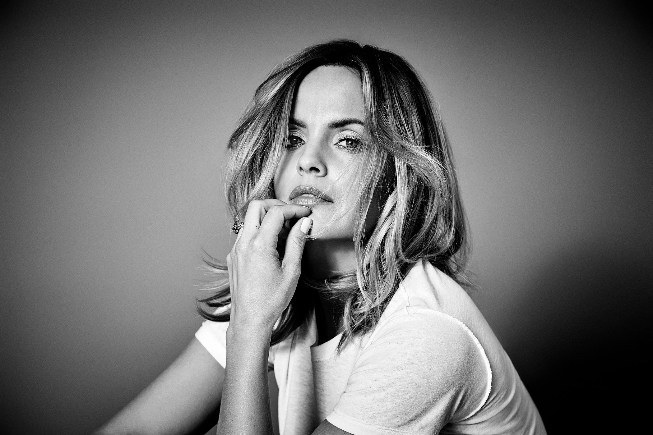 MENA SUVARI by DAVID NEEDLEMAN 2018